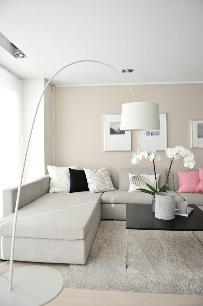 Salon w odcieniach be u inspiracje madziof pl for Naroznik cobra z living roomu